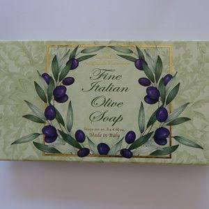 NEW Saponificio Fine Italian Olive Soap Set of 3